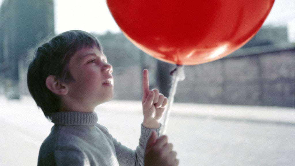 the-red-balloon-1200-1200-675-675-crop-000000